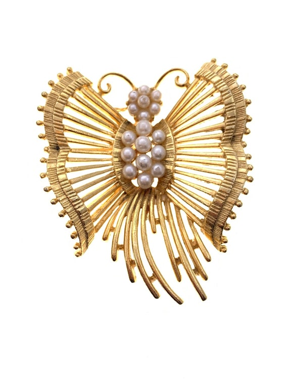 Lisner Vintage Pearl Butterfly with Gold Tone Wing