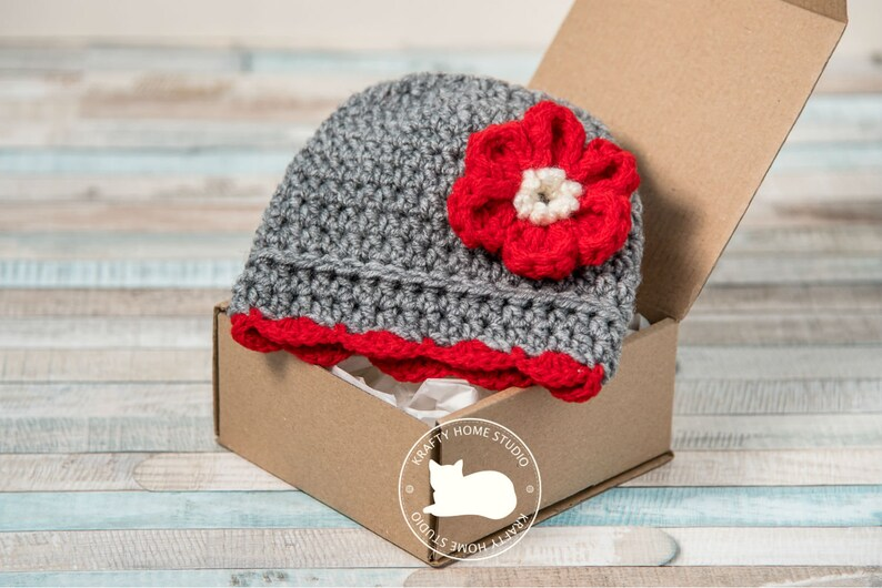 Pregnancy announcement grandparents Crochet Baby hat with big image 0