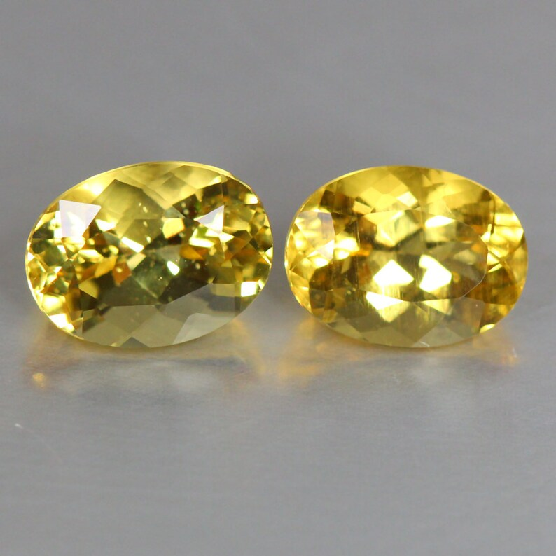 2.59 Cts/_fantastic Matching Pair/_8x6/_100 /% Natural Unheated Yellow Beryl/_brazil