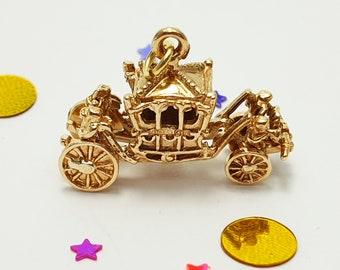 Vintage 1994 9ct Royal Coronation Carriage Charm