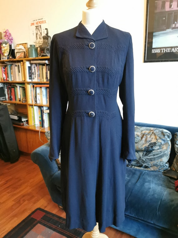 Early 1940's navy wool crepe coat w trapunto Size