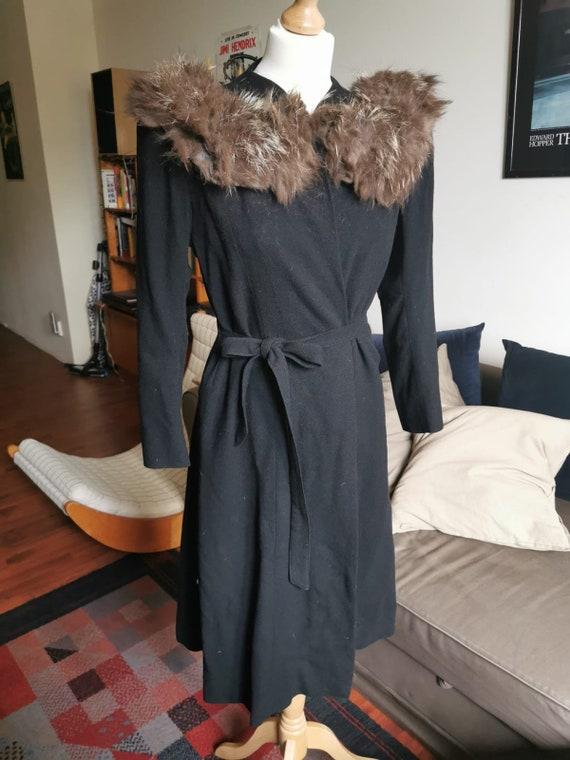 1940's  shoulder pad black crepe fur collar coat,