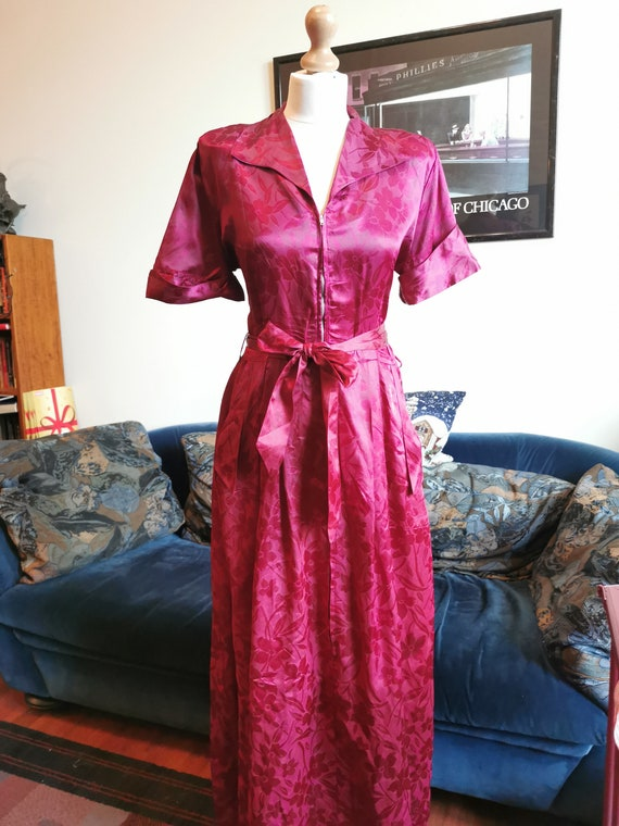 1940's deep red burgundy satin dressing gown robe