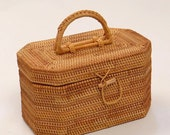Vintage Straw Rattan Wicker Box Suitcase Style Trunk Large Wicker Basket Picnic Hamper Boho Handmade Tropical Beach Octagon Storage Box