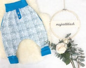 Pump pants, blue and white, chevron with fake slit