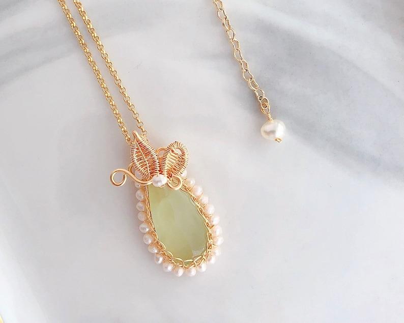 Prehnite Jewellery byJTSjewelry Prehnite Butterfly Pendant Necklace in Gold \u15e9\u1587\u4e05I\u1515\u15e9\u144e \u15f0\u15e9\u15ea\u15f4 Spring Garden for Her Birthday Gift Ideas