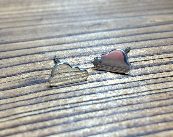 Featured listing image: Silver Cloud stud earrings - polished finish