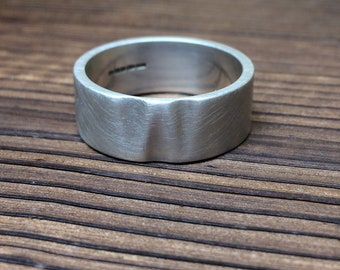 Wave thumb ring in sterling silver - Brushed finish