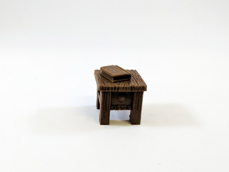 Miniature Furniture Dungeons and Dragons Miniature Unpainted Bedside Table 28mm