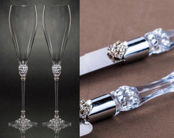 4a71a8ead35b Wedding Glasses Cake Server Knife Silver Champagne Flutes rhinestones Bride  Groom Glasses Anniversary Glasses Toasting Flutes Clear Flutes