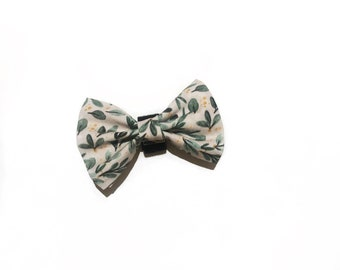 Handmade green bow tie and pocket square with mistletoe print