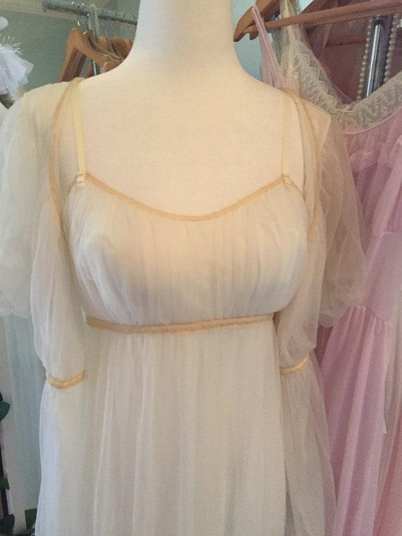 Vintage 1950s 1960s vanity fair white bridal peig… - image 2