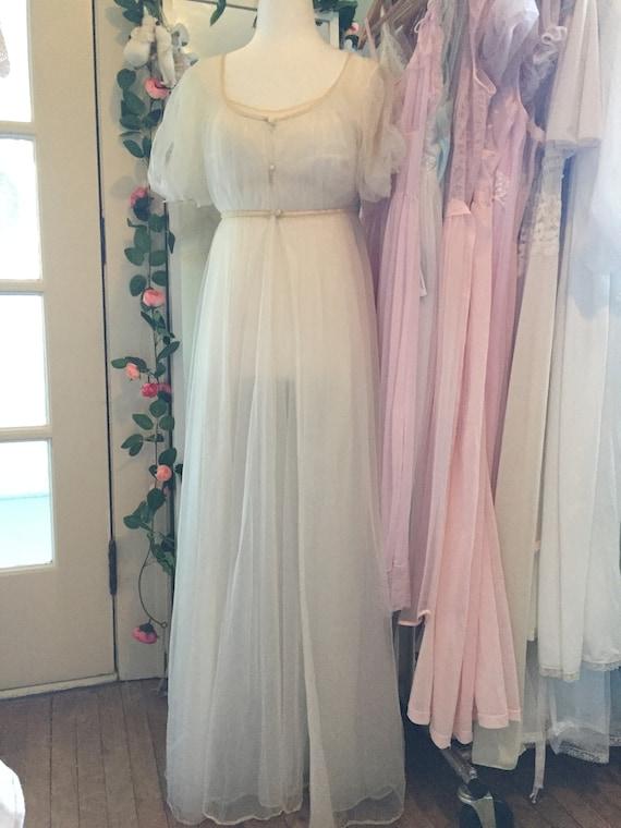 Vintage 1950s 1960s vanity fair white bridal peig… - image 9