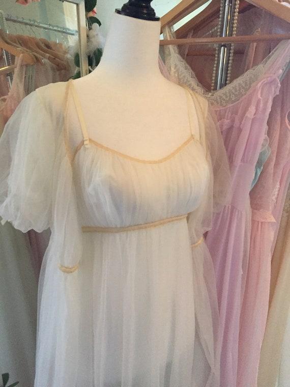 Vintage 1950s 1960s vanity fair white bridal peig… - image 1