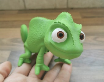 Disney Pascal from Tangled Rapunzel - 3D printed figure statue desk decoration - 6 inches/15 cm - unpainted/primed