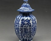 Chinese OLD blue and white porcelain dragon vase W qianlong mark RN