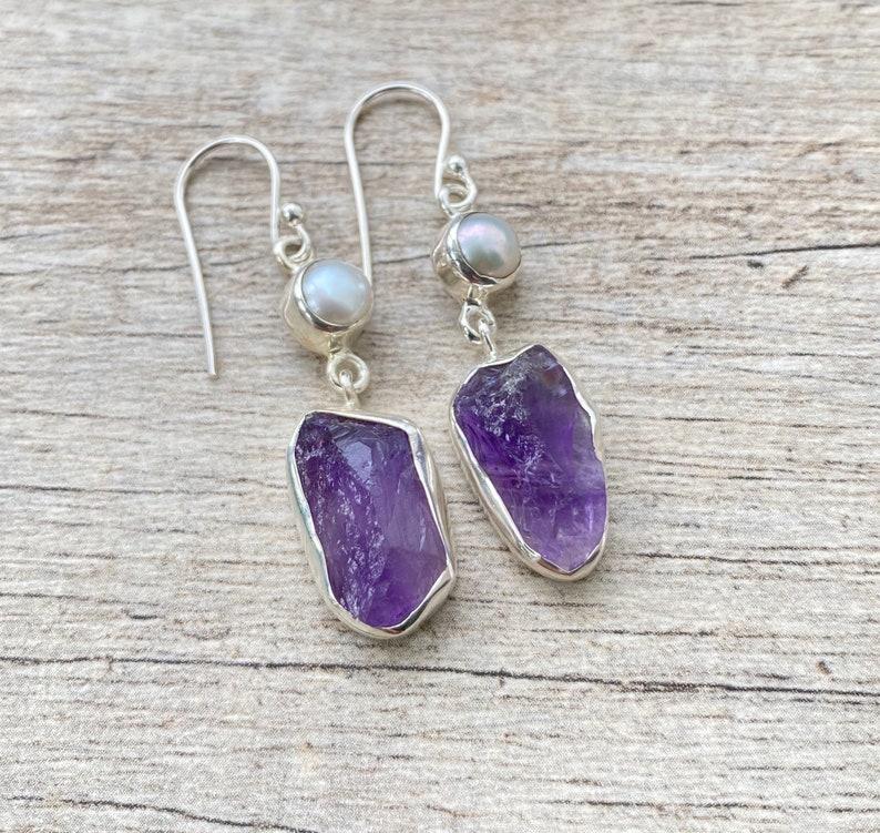 Solid 925 Silver Natural Raw Amethyst and Freshwater Pearl Earrings Amethyst Earrings 925 Sterling Silver Earrings Natural Crystal Earrings
