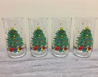 Set of 4 Vintage Christmas Tree with Gifts Holiday Drinking Glasses Tumblers, Christmas Drinking Glass