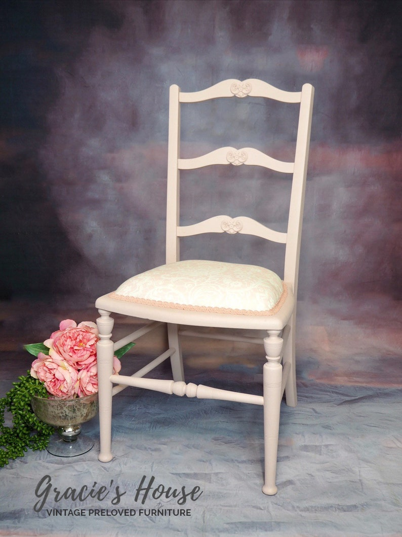 Pink Bedroom Chair  perfect for Girls Bedroom image 0