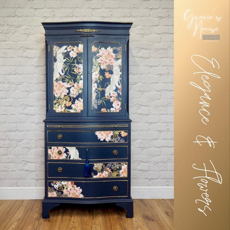 Elegant Navy Blue Cocktail Cabinet image 0