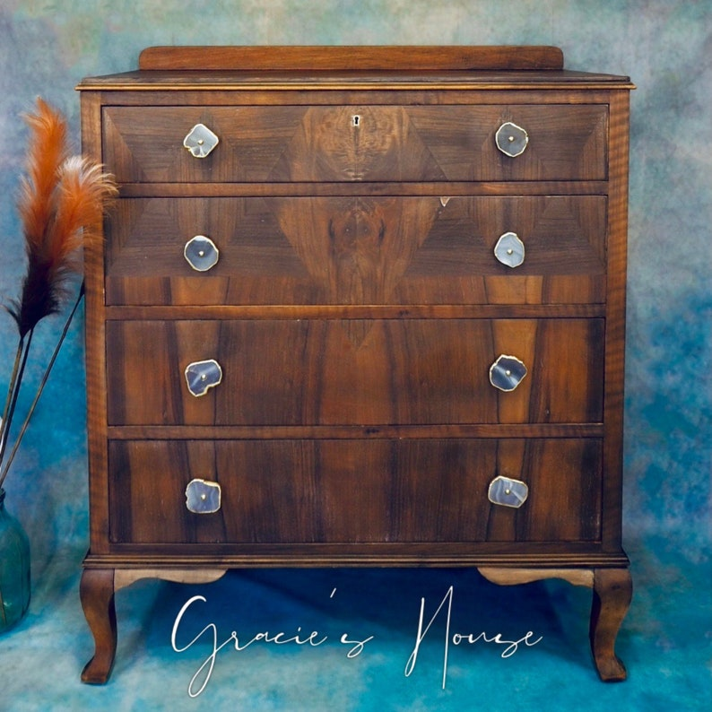 Vintage Chest of Drawers image 0