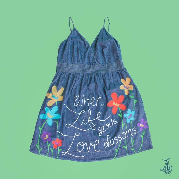 Love Blossoms Life Dress (XL)