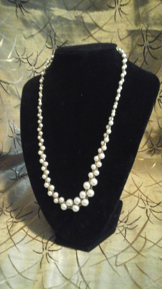 Antique PEARL and GOLD TONE Necklace