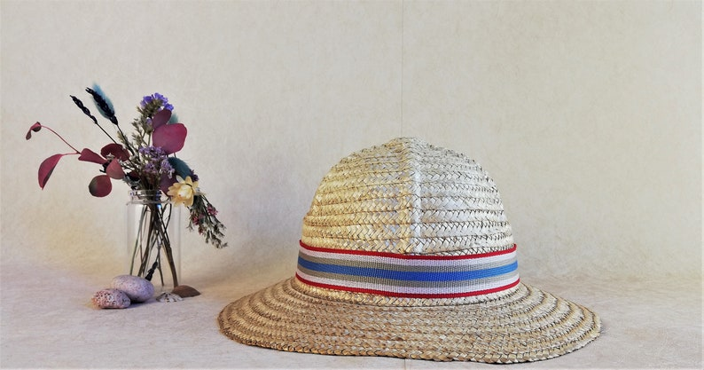 Small vintage natural straw bucket hat for girls.
