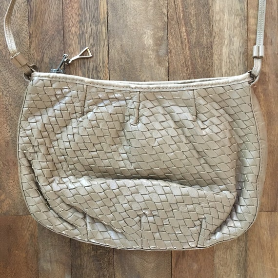 Vintage 1980's Taupe woven purse - image 4