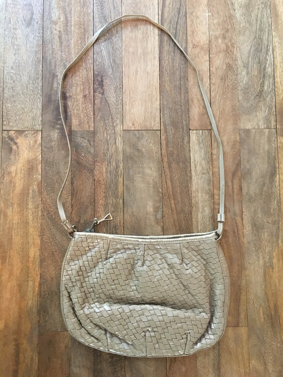 Vintage 1980's Taupe woven purse - image 2