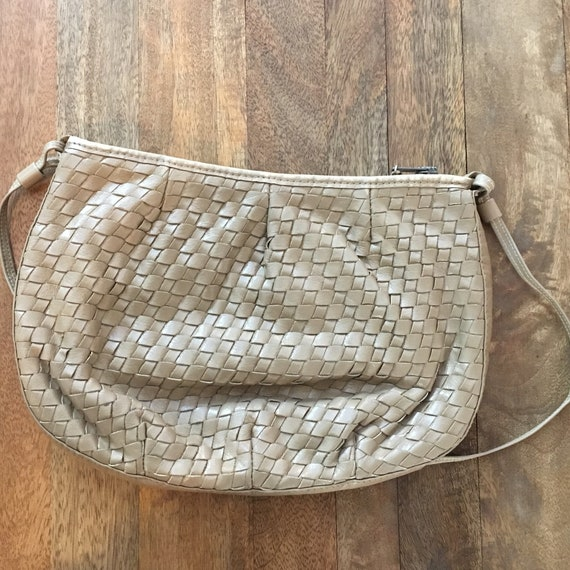 Vintage 1980's Taupe woven purse - image 1