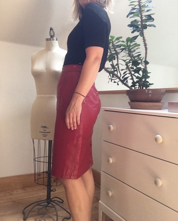 Vintage 1980's Red Leather Pencil Skirt - image 9