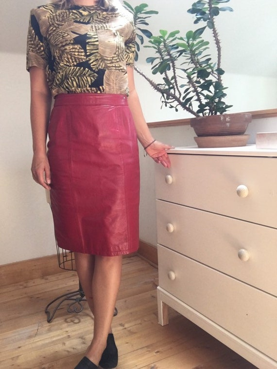 Vintage 1980's Red Leather Pencil Skirt - image 2