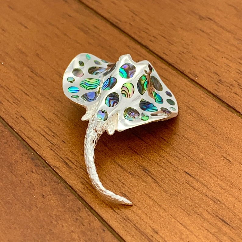925 Sterling Silver Stingray Pendant with Abalone Shell or Mother of Pearl Shell Stingray Necklace Comes with a Free Chain