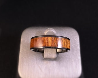 Men's Tungsten Ring with Wood