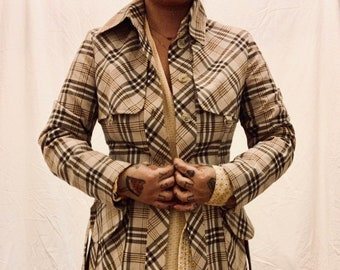 CHIC vintage 80s Finnish made trench coat with tartan pattern in beige very good condition size 36