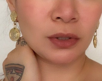 EXTRAVAGANT vintage Gianni Versace Medusa gold plated clip on earrings