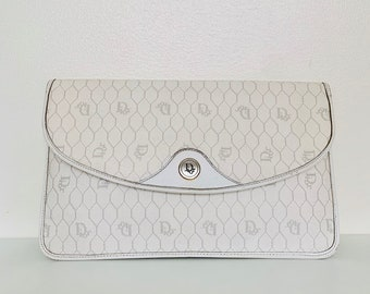 STYLISH vintage Dior clutch in white leather