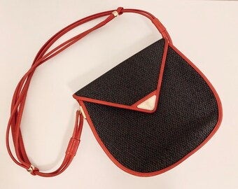 MUSTHAVE Vintage 80s Yves Saint Laurent crossbody bag in grey cloth and red leather good condition