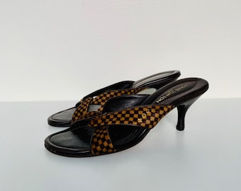 TRENDING AND RARE vintage 90s Louis Vuitton Damier Sauvage heeled samdals/mules size 36.