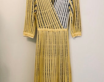 STUNNING ELEGANT vintage 80s Italian yellow and white woven midi dress with mock wrap front size 38