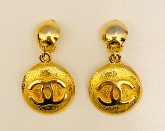 MAGNIFICENT vintage Chanel gold plated clip on earrings