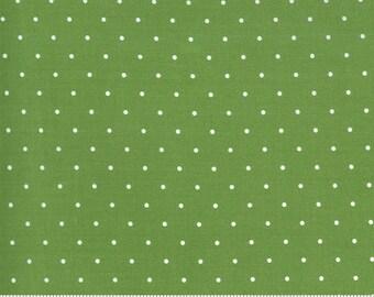 Moda Sunday Stroll Sweet Dot Green (55226 20) 1/2 Yard Increments