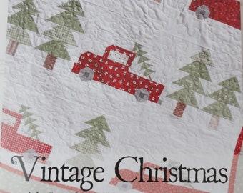 Christmas Mini Wall Hanging Quilt pattern Mr Cloz Santa /& north pole