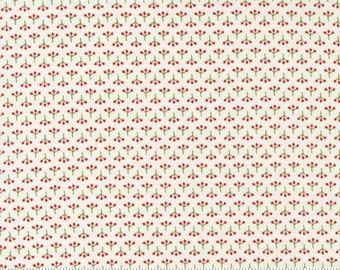 Moda Red Barn Christmas Berries- Multi (55536 14) 1/2 Yard Increments