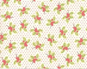 Moda Christmas Figs II Snowflake Holly (20310 14)