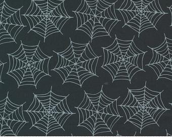 Moda Holiday Essentials Halloween Spiderwebs (20732 12) 1/2 Yard Increments