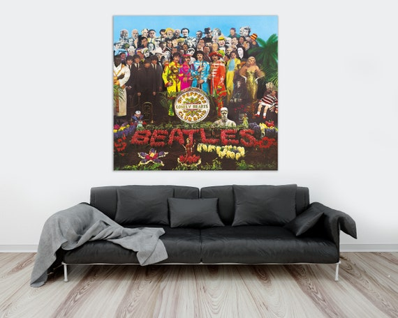 size 24x36 THE BEATLES SGT PEPPERS LONELY HEARTS CLUB BAND POSTER