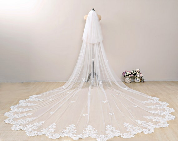 White Ivory Wedding Veil 1T Lace Sequins Cathedral Length Bridal Veils Comb 2019