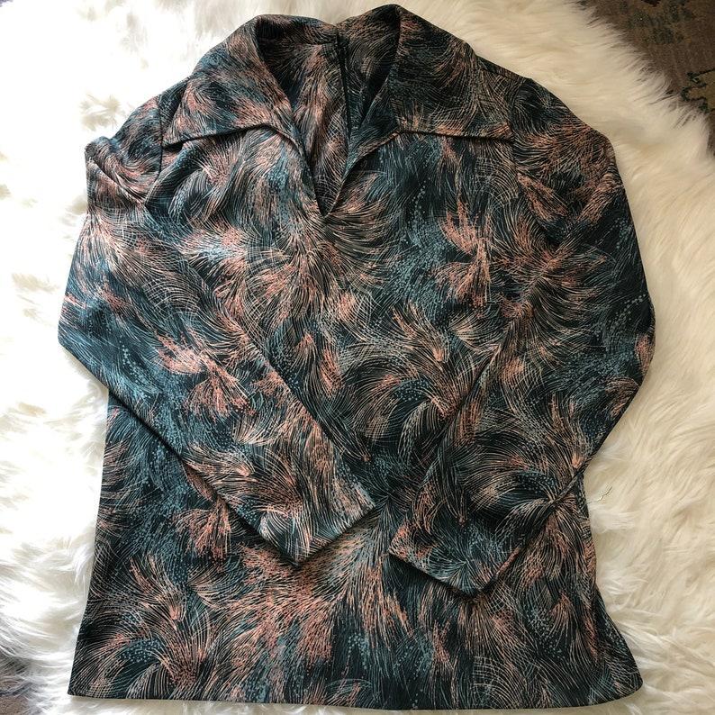 Vintage 70s long sleeve V-neck top